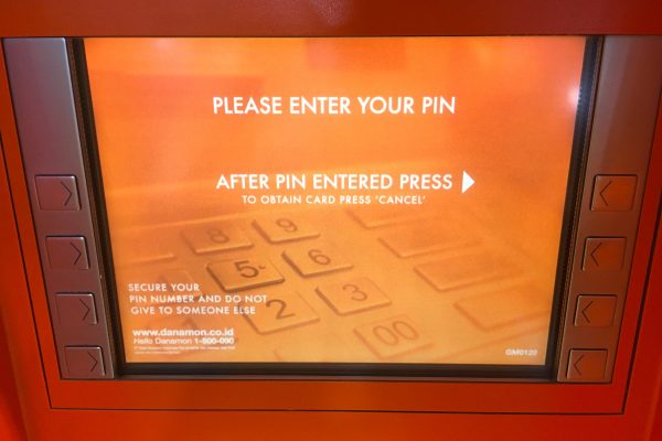 indonesia-atm-cashing3