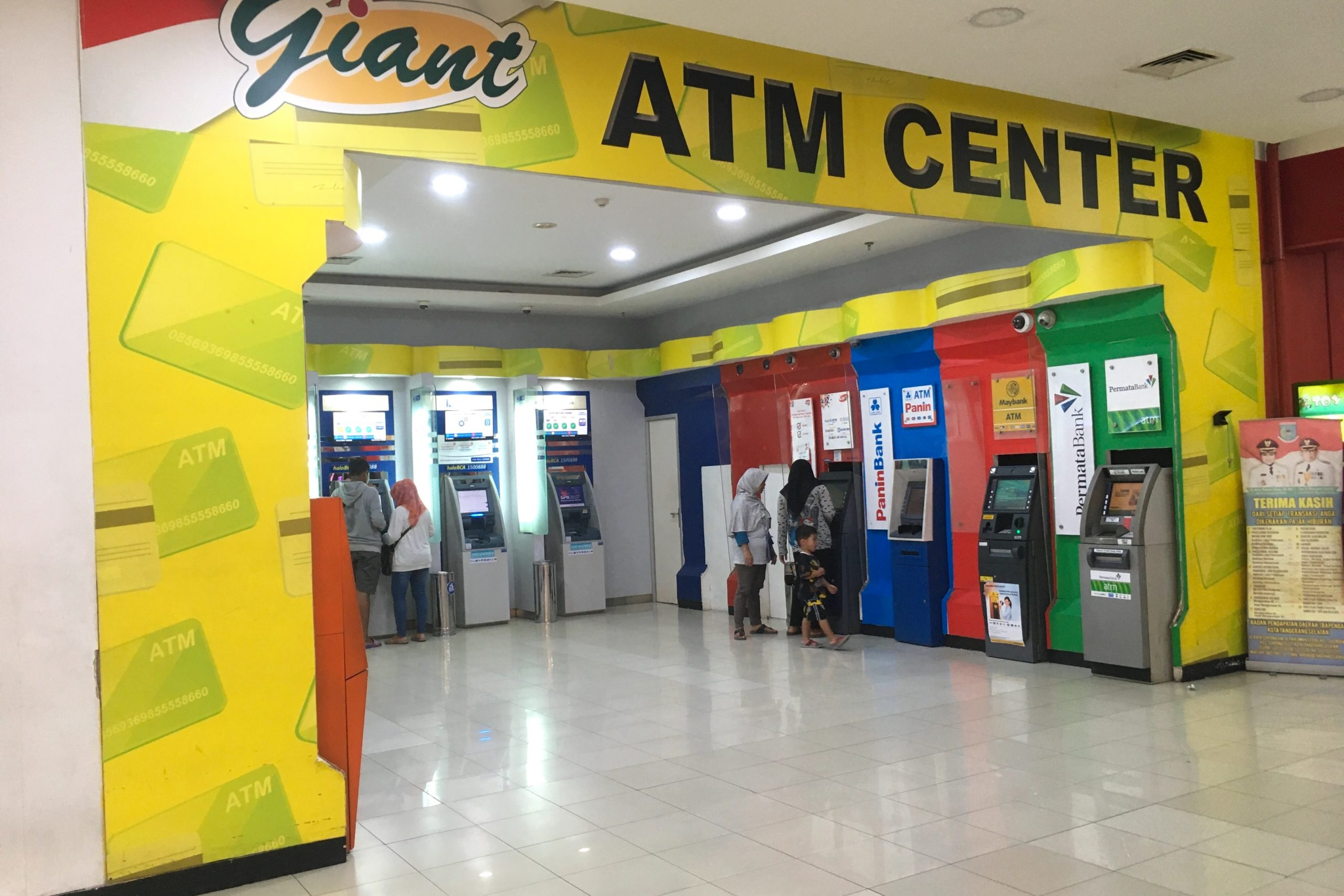 indonesia-atm-cashing