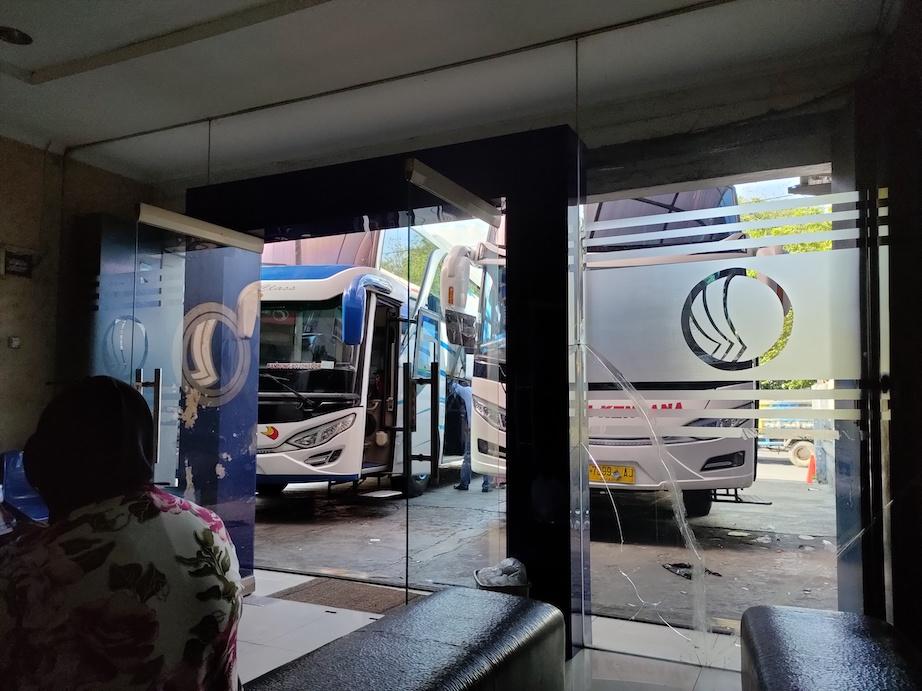 bandung-jogjakarta-bus
